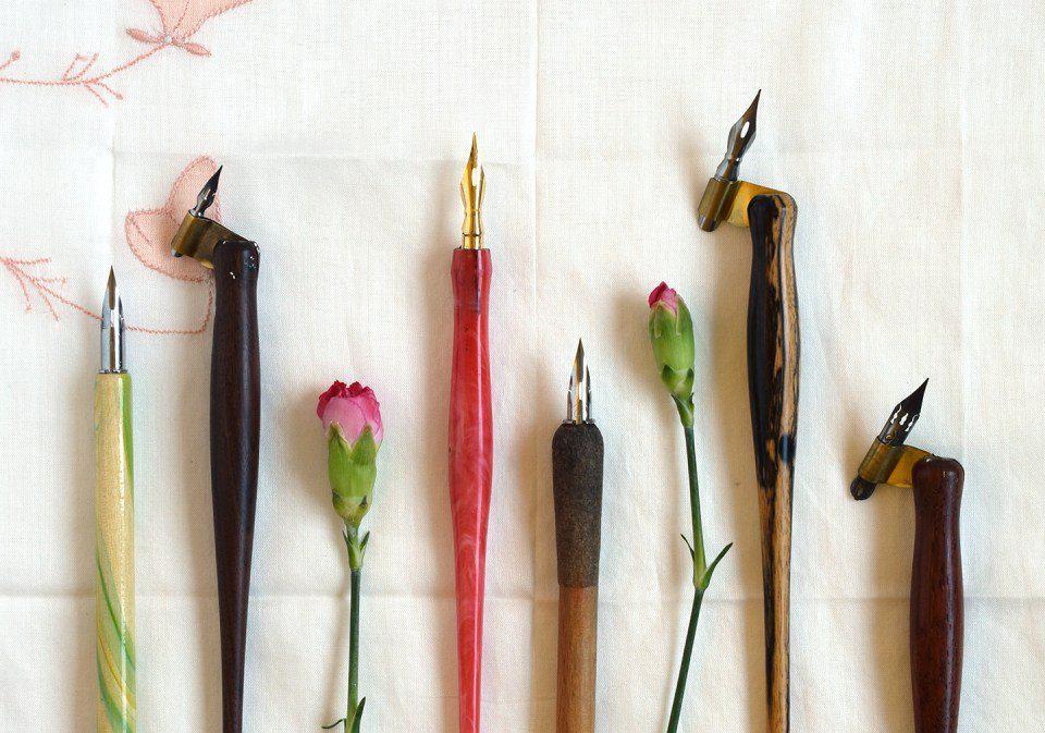 инструменты рисования тушью